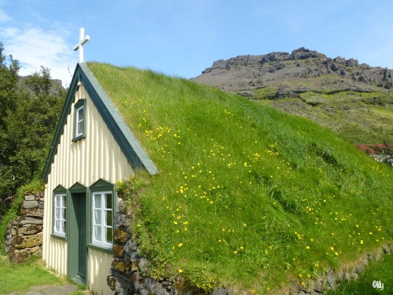 Islande_église Hof_©lespetitsvoyagesdelilly