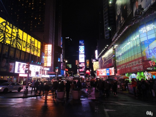 new-york_times-square_lespetitsvoyagesdelilly