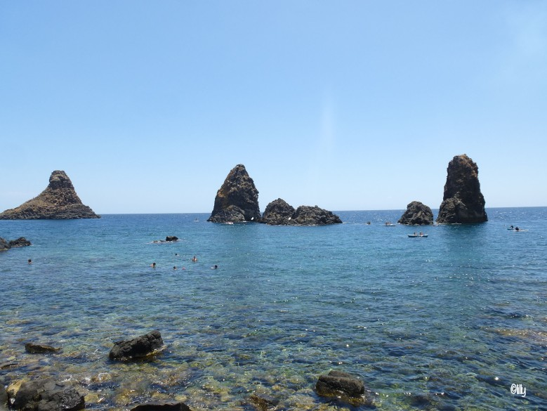 Sicile_Isole dei Ciclopi_lespetitsvoyagesdelilly
