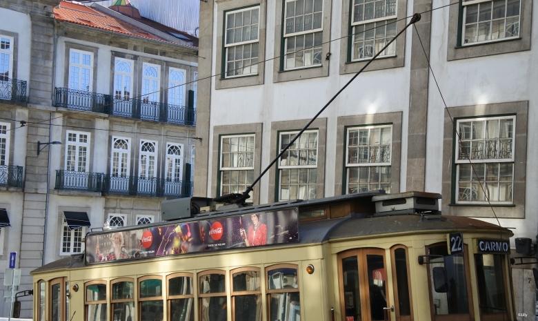 Porto_tram_©Lilly