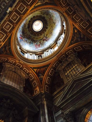 Basilique Saint Pierre @lespetitsvoyagesdelilly
